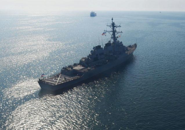 """美国海军""""唐纳德·库克""""号驱逐舰进入黑海水域"""