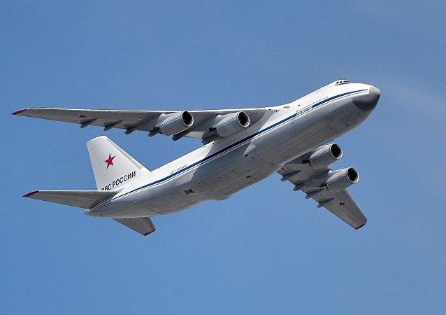 俄空天军运输机从中国运来个人防护用品