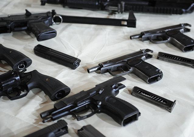 俄聯邦安全局:莫斯科查獲一販賣武器的新納粹團伙