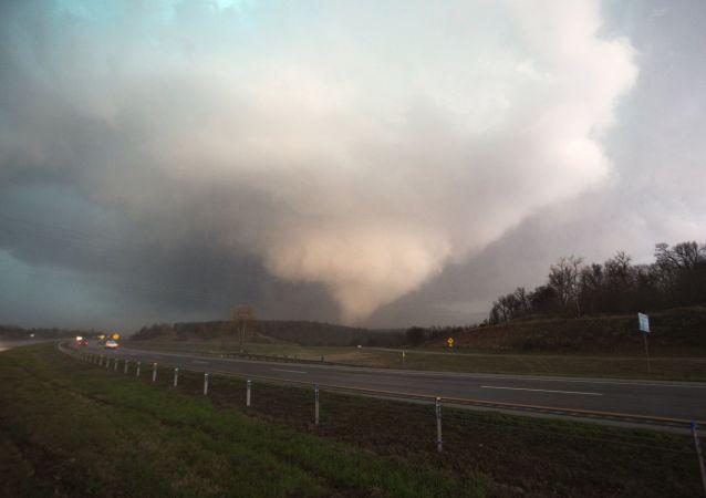 美国东南部的龙卷风 (资料图片)