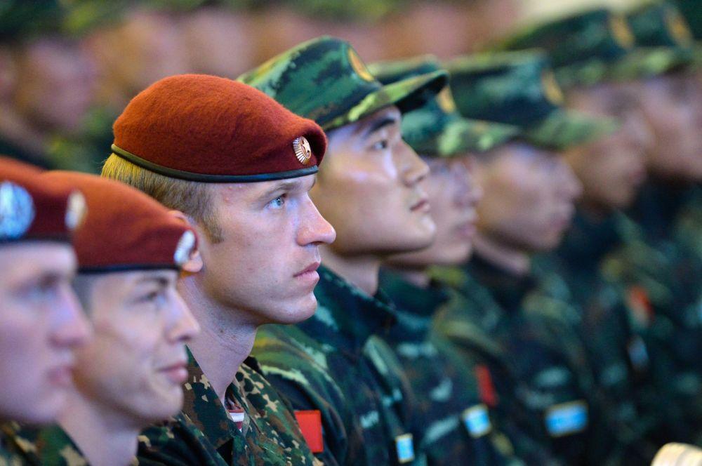 """俄罗斯国民近卫军与中国武警部队""""合作-2016""""联合反恐训练参训官兵"""