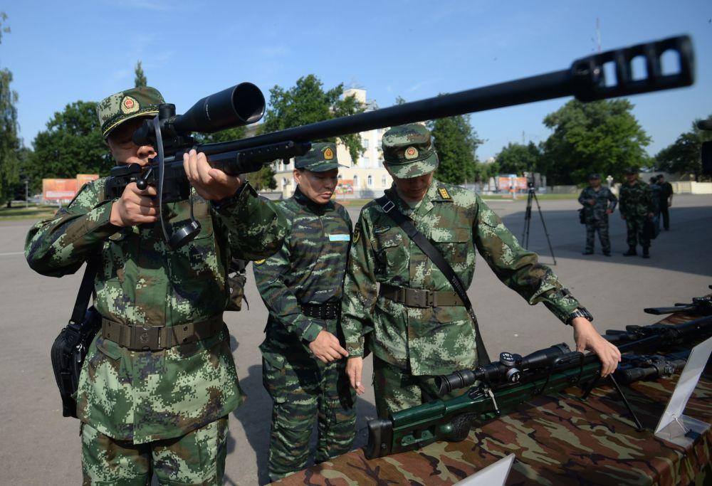 """参加俄中""""合作-2016""""联合反恐训练的中方武警"""