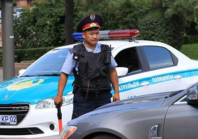 阿拉木图市一名居民向警方开枪,包括两名警察在内的五人死亡,开枪者已被捕
