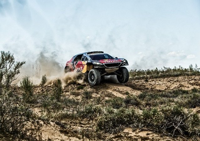 車手尼古拉耶夫望絲綢之路拉力賽第14賽道仍是「馬拉松」