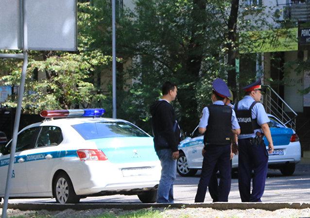 阿拉木图两名在7月18日交火中受伤警察逝世
