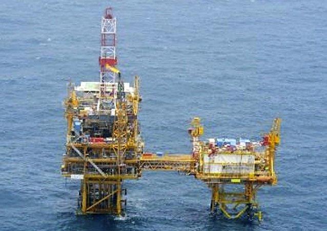 日本抗議中國在東海爭議海域開採氣田