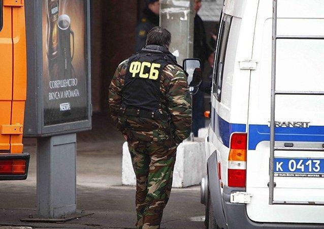 圣彼得堡强力部门人员陆续离开采取特别行动的大楼