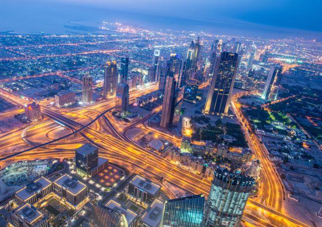 迪拜首名機器人警察將於2017年上崗
