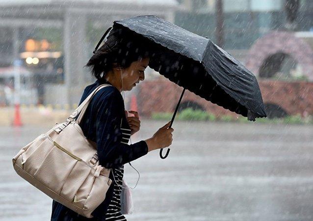 俄气象人员:新热带风暴将导致日本冲绳暴雨