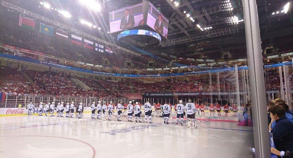 崑崙鴻星與巴里斯在北京的比賽創下大陸冰球聯賽上座紀錄