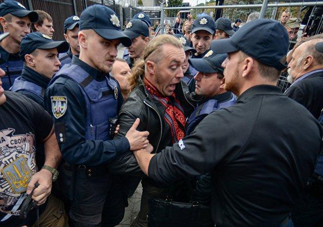 一名俄罗斯人在俄驻基辅大使馆附近被殴打 袭击者被捕