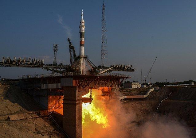 """消息人士:两艘""""联盟""""飞船筹备前往国际空间站的载人飞行"""