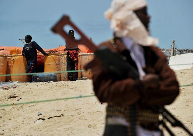 媒体:索马里武装分子在周末占领4个城市