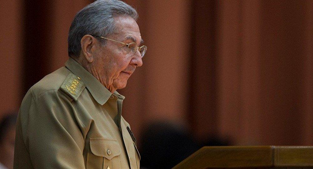 普京祝贺古巴前领导人劳尔·卡斯特罗90岁大寿
