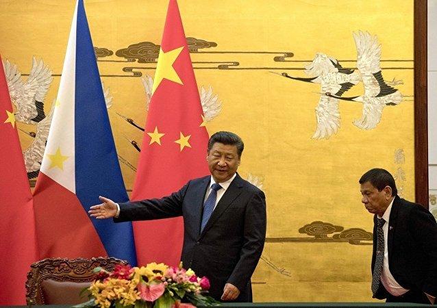 杜特尔特:北京警告称在争议大陆架开采石油或引发战争