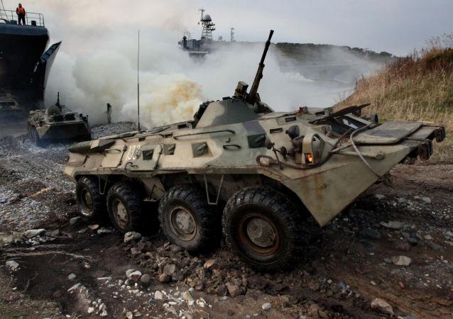 海軍陸戰隊在加里寧格勒附近 「保衛」海岸 在達吉斯坦準備開火