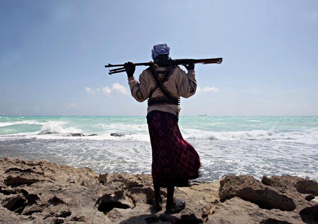 贝宁附近海岸船只遭劫 3名俄公民仍在海盗手中