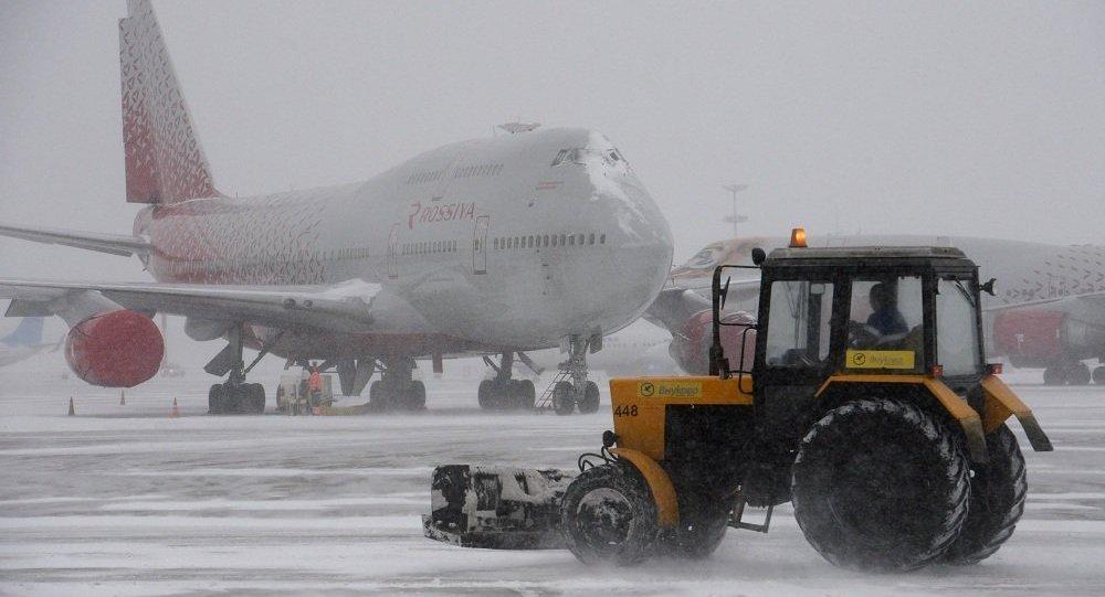 莫斯科大雪導致200多個航班延誤