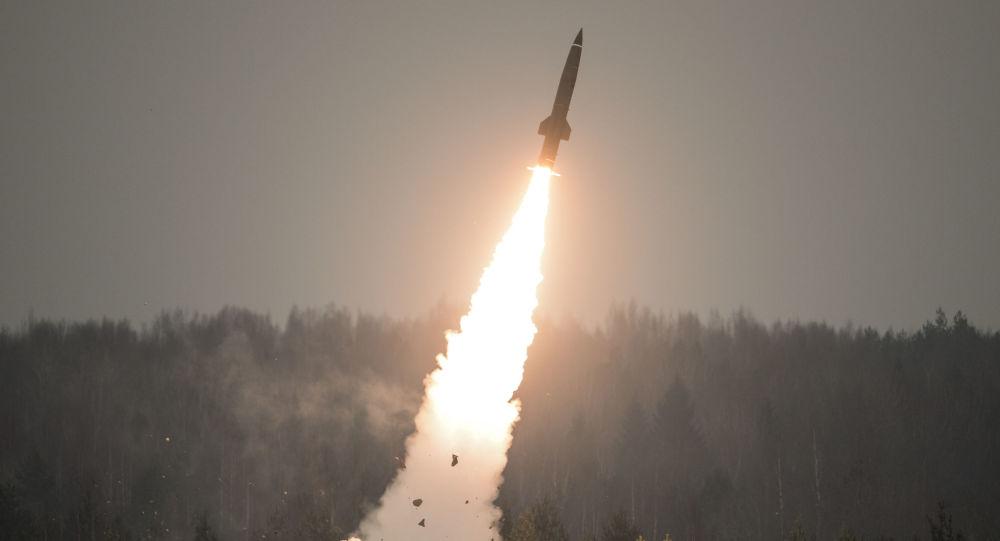 俄军成功试射新型反导导弹