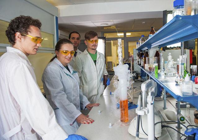 俄学者正研制利用燃料废料和金催化剂制药技术