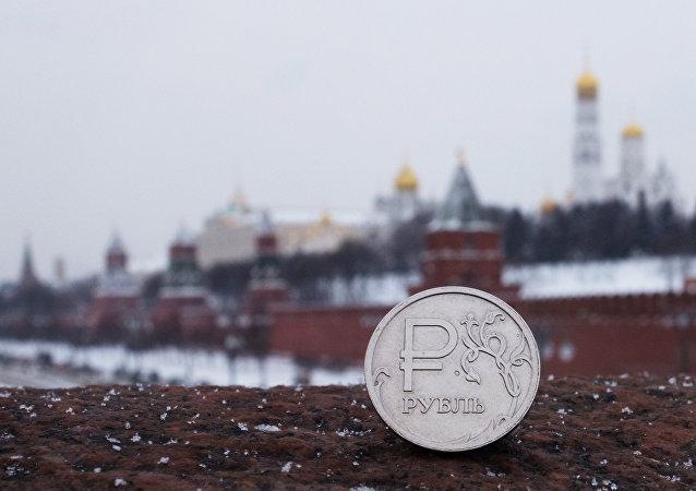 《经济学人》杂志称卢布是全球被低估最严重的货币