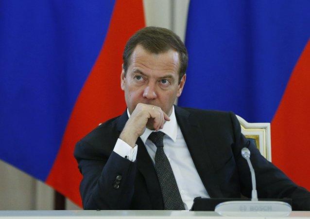 俄總理就制裁問題上政治優先於經濟表示遺憾並稱將回應