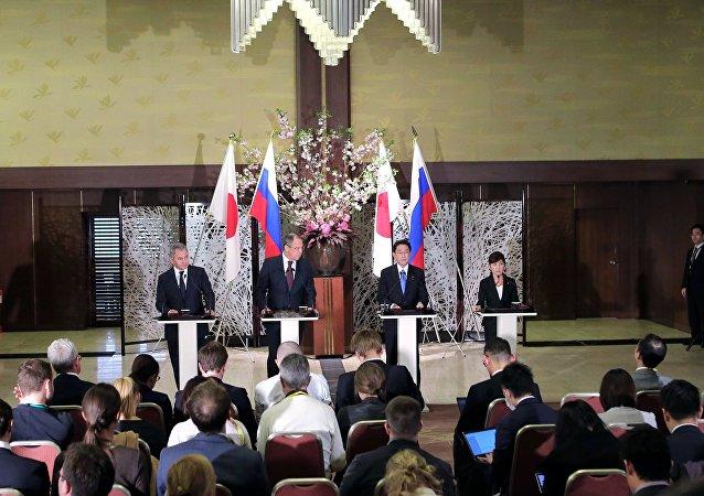日本外相:安倍首相四月底将访问俄罗斯