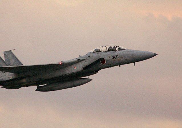 日因美F-15墜機而要求其遵守飛行安全
