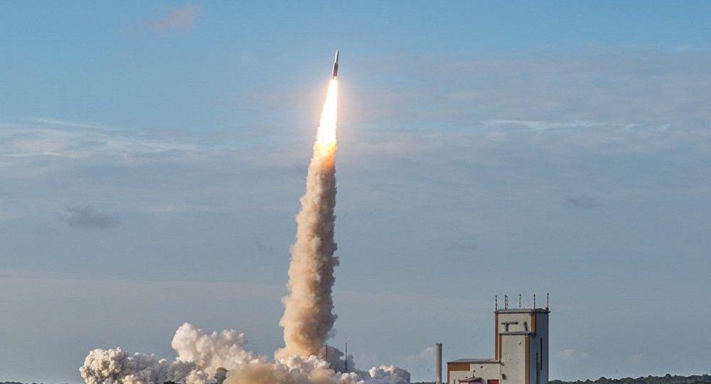 阿丽亚娜5型运载火箭携两颗卫星从库鲁航天中心成功发射