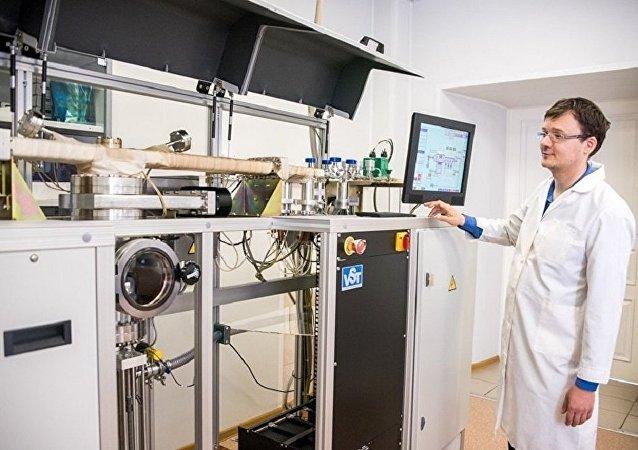 俄科學家在研制用于飛機加速的電磁彈射器