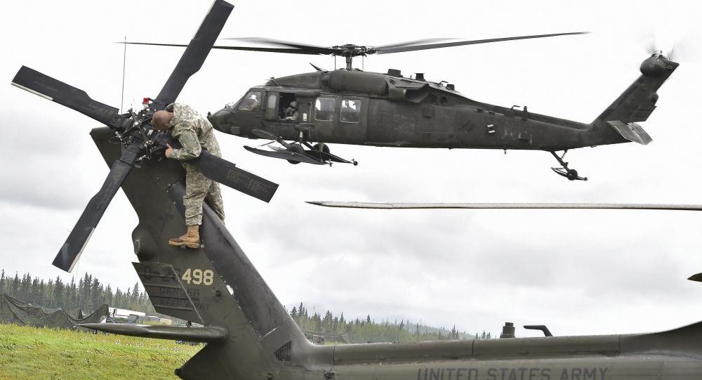 UH-60黑鷹直升機