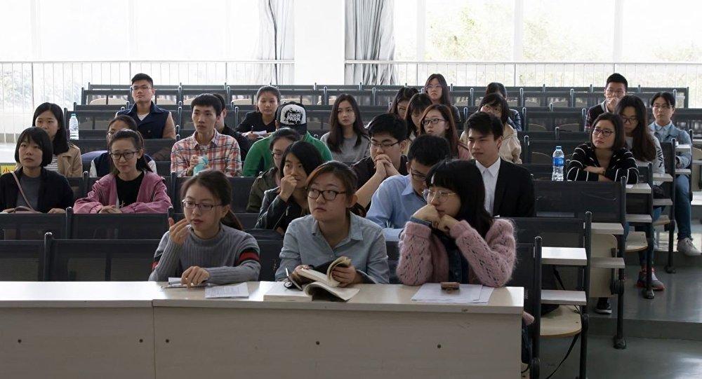 语言是中国留学生适应在俄生活的最大障碍