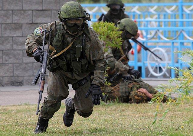 白俄罗斯国防部:白中两军将举行联合反恐演习