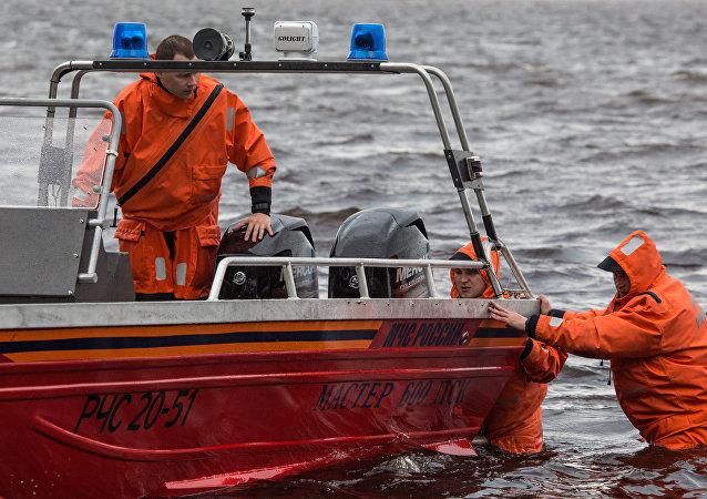 車里雅賓斯克州翻船事件導致7人死亡 其中包括4名兒童