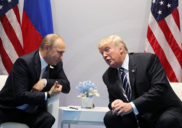俄外长幽默表示可假定普特汉堡第四次会晤是在卫生间举行的