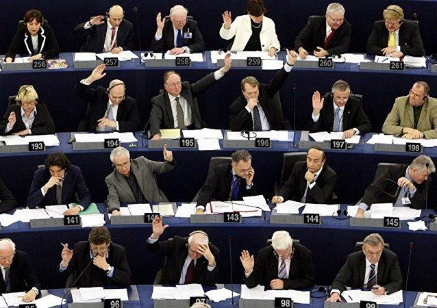 欧盟委员会主席:欧盟应以合格多数作出对外政策决定