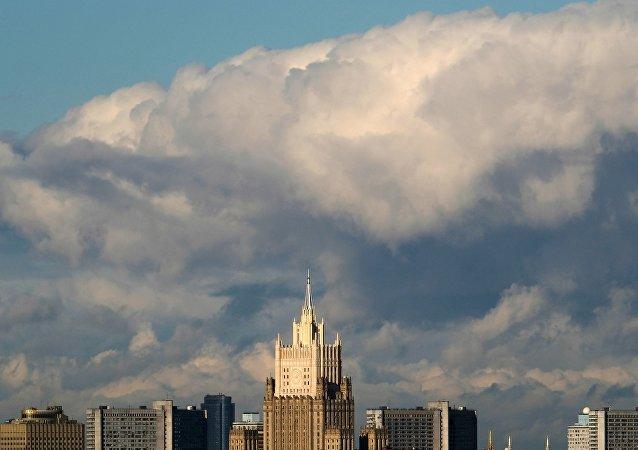 俄外长呼吁避免将新冠疫情政治化