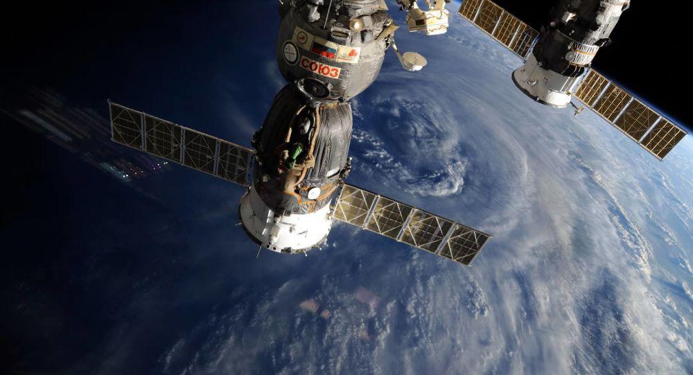 俄「聯邦」號新型載人宇宙飛船模擬艙的測試工作圓滿完成