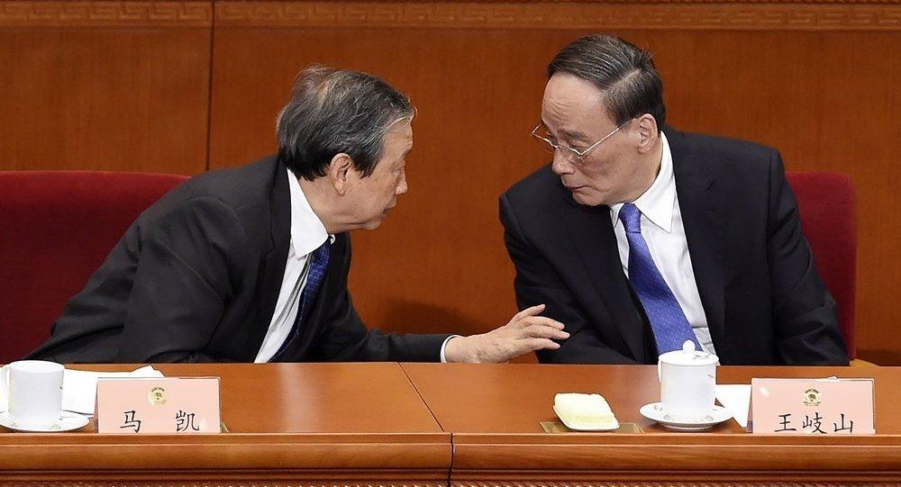 十九大新聞發言人:中國已形成反腐敗鬥爭壓倒性