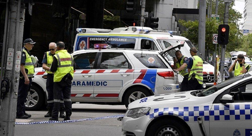 一輛汽車衝入悉尼一小學建築物內造成2名兒童死亡