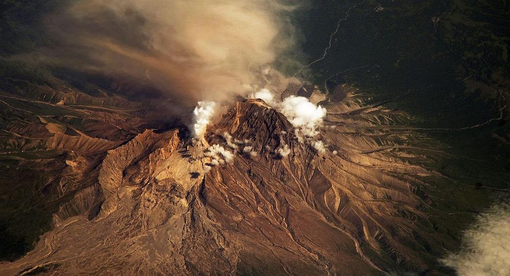 希韦卢奇火山 (舍维留奇火山)