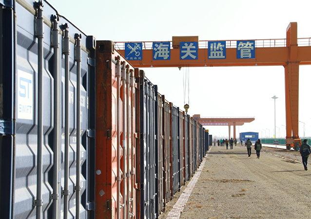 媒体:哈欧班列构建起东北亚地区与欧亚大陆物流运输大通道
