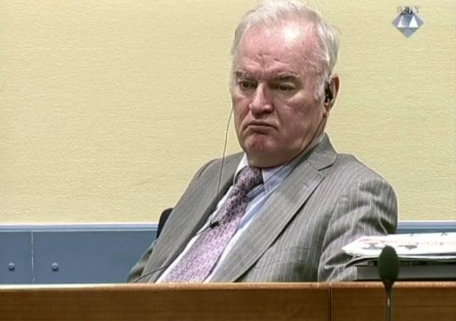 塞尔维亚政治家:姆拉迪奇将军的生命受到监禁的威胁