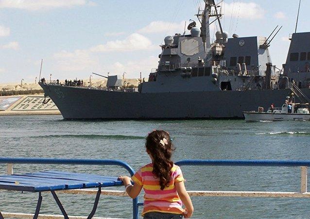"""美国""""詹姆斯·威廉斯""""号导弹驱逐舰"""