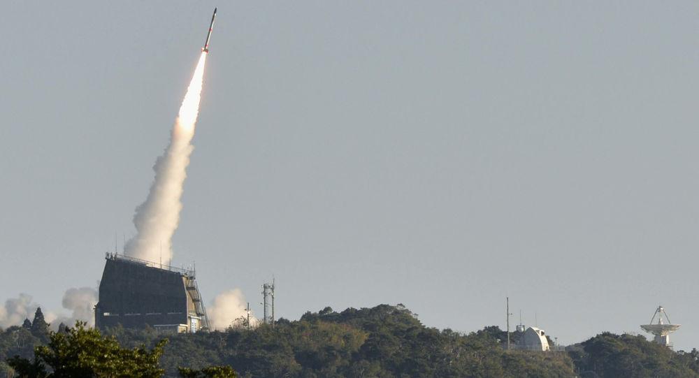 """日本""""隼鸟2""""号探测器在一颗小行星上投下炸弹"""