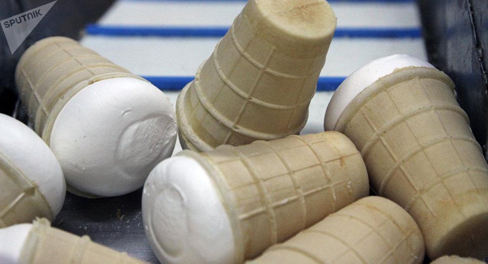 日本森永制果因可能混入金屬碎屑而緊急召回約130萬份冰淇淋