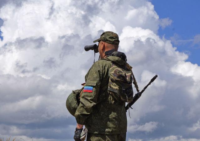 卢甘斯克人民共和国人民警察