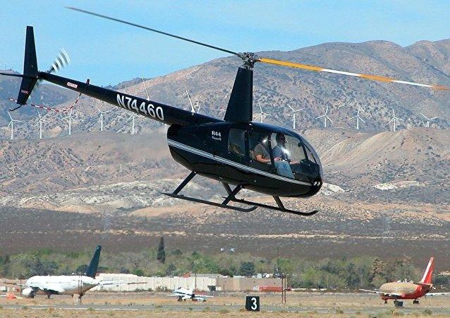 Robinson R44 轻型直升机