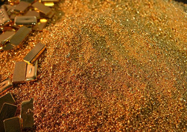 亚库特上空飞机上散落的金属锭的价值价值超过一亿