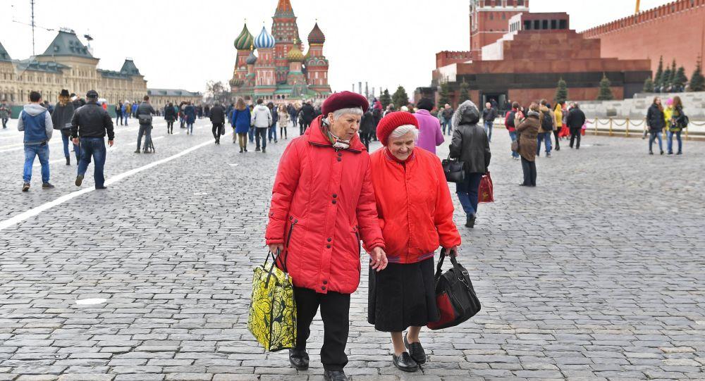 俄联邦生物医学署:近十年俄女性平均寿命延长4岁 男性延长6.7岁